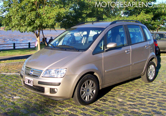 Fiat idea 1 8 hlx un minivan compacto ideal para el for Dimensiones fiat idea
