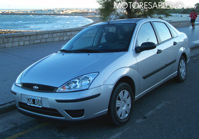 Ford Focus 1.6 Nafta Sedan Serie Ambiente 1