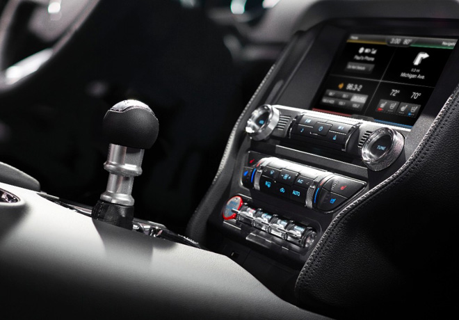 Ford - Mustang - SYNC AppLink