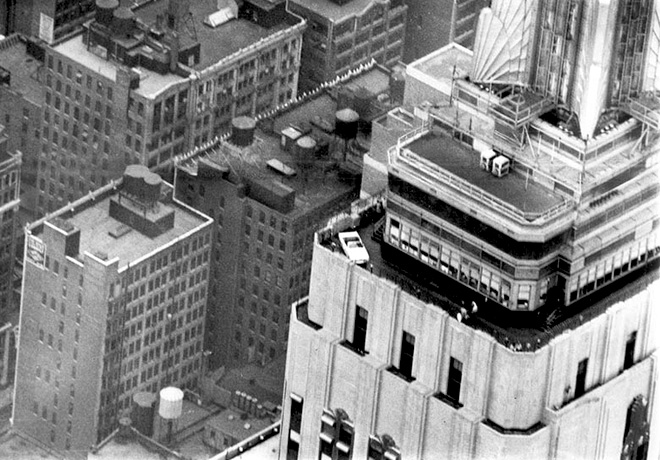 Ford Mustang en la cima del Empire State en 1965