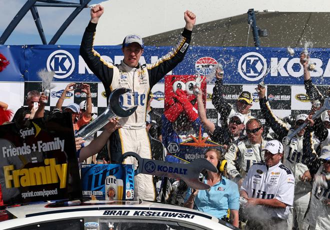NASCAR - Las Vegas - Brad Keselowski en el Victory Lane