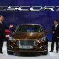Ford - Escort 2014 esta siendo exhibido en el Salon de Pekin 1