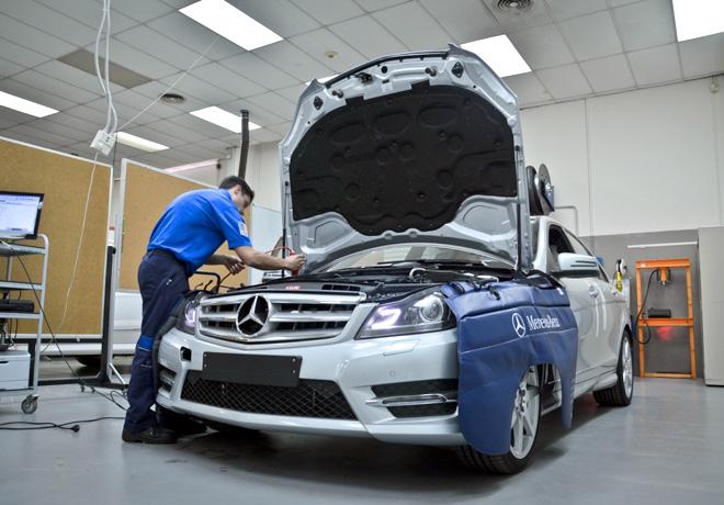 Mercedes-Benz - TechMasters - Los mejores premian a los mejores