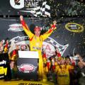NASCAR - Richmond - Joey Logano en el Victory Lane