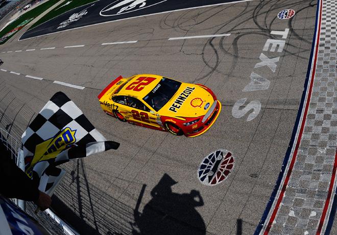 NASCAR - Texas - Joey Logano - Ford Fusion