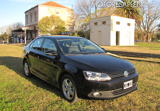 Volkswagen Vento 2.5 Luxury Manual 1