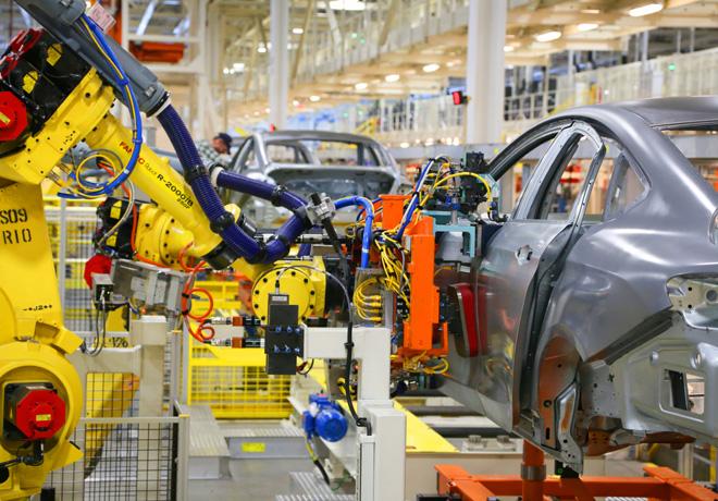 Chrysler recibe mas de 10 mil pedidos del nuevo Chrysler 200 en su primer dia de ventas