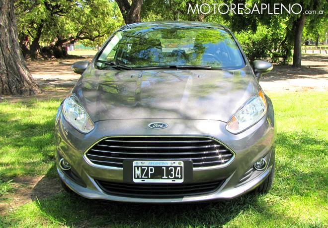 Ford Fiesta Kinetic Design 4 puertas Titanium AT 1