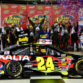 NASCAR - Kansas - Jeff Gordon en el Victory Lane