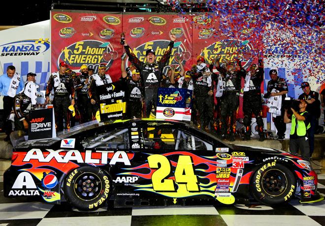 NASCAR - Kansas - Jeff Gordon en el Victory Lane