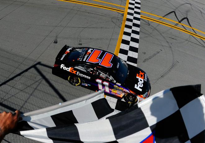 NASCAR - Talladega - Denny Hamlin - Toyota Camry