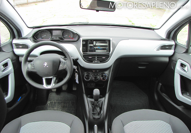 Peugeot 208 allure 1 5 cinco puertas touchscreen otro for Interno peugeot 208