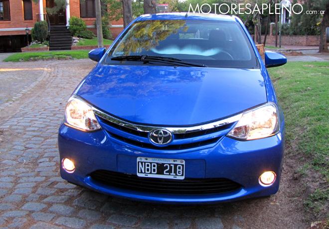 Toyota Etios XLS sedan 1