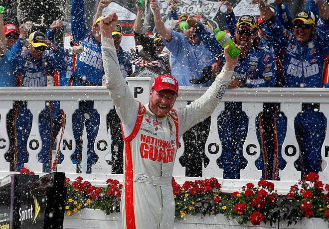 NASCAR - Pocono - Dale Earnhardt Jr en el Victory Lane