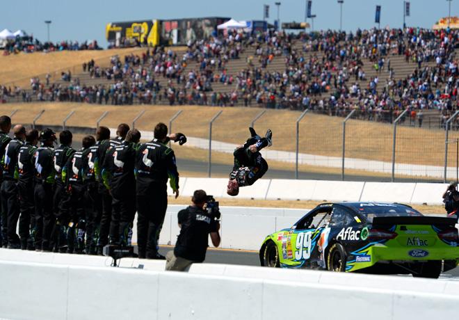 NASCAR - Sonoma - Carl Edwards - Ford Fusion