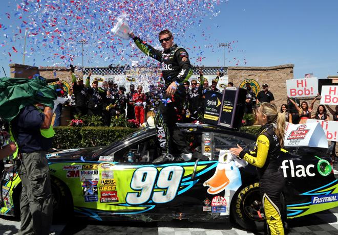 NASCAR - Sonoma - Carl Edwards en el Victory Lane