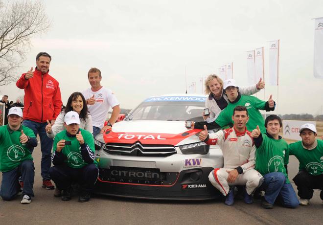 Citroen Racing WTCC brindo un co-driving solidario 1