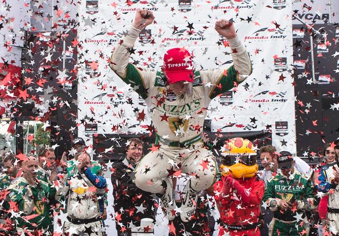 IndyCar - Toronto - Carrera 2 - Mike Conway en el Victory Lane