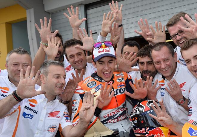 MotoGP - Sachsenring - Marc Marquez y equipo