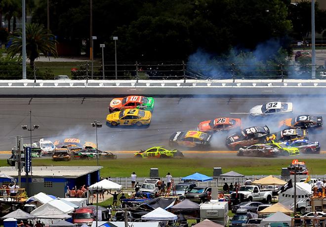 NASCAR - Daytona - Accidente multiple 1