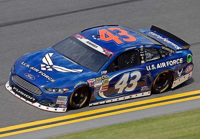 NASCAR - Daytona - Aric Almirola - Ford Fusion