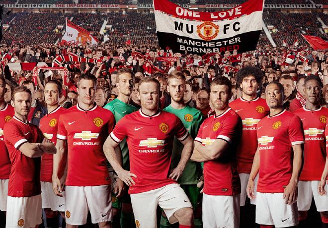 El Manchester United debuta en la Premier League con el patrocinio de Chevrolet en su camiseta.