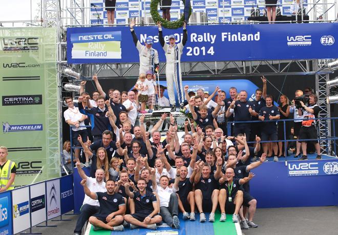 WRC - Finlandia 2014 - Final - Jari-Matti Latvala en el Podio