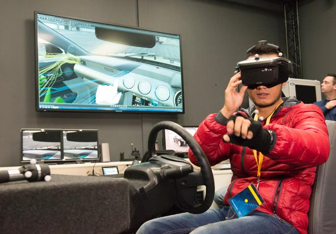 Ford presento en Australia un nuevo centro de realidad virtual para el diseño de sus vehiculos