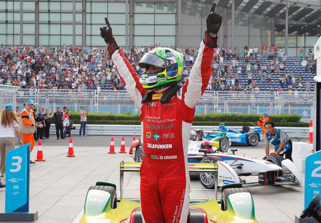 Formula E - Beijing-China 2014 - Lucas di Grassi en el Podio