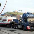 Iveco Stralis transporta en Alemania un barco de 73 toneladas 2