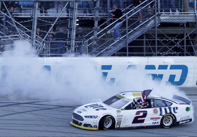 NASCAR en Chicagoland – Carrera: Positivo comienzo de Keselowski en la Caza por la Copa Sprint.