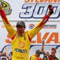 NASCAR - New Hampshire - Joey Logano en el Victory Lane