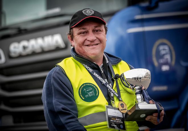 """El """"Mejor Conductor de Camiones"""" de Scania coronó en Córdoba al primer representante de la región Pampeana."""