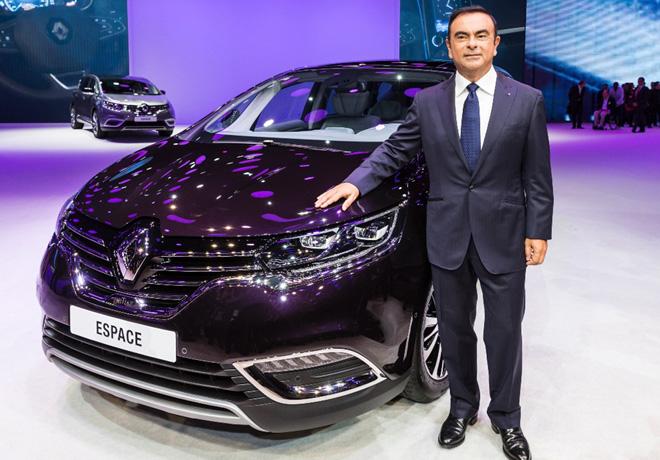 Renault - Paris 2014 - Paris 2014 - Ghosn junto al Espace