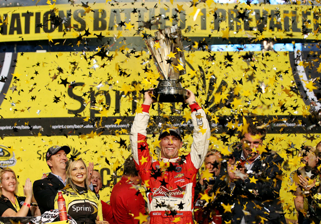 NASCAR - Homestead - Kevin Harvick - Campeon - en el Victory Lane