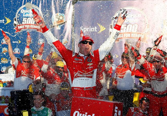 NASCAR - Phoenix - Kevin Harvick en el Victory Lane