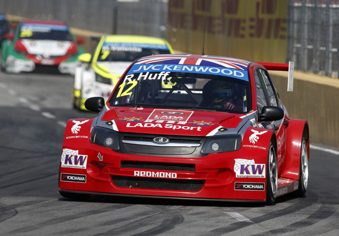 WTCC - Macao - Carrera 2 - Robert Huff - Lada