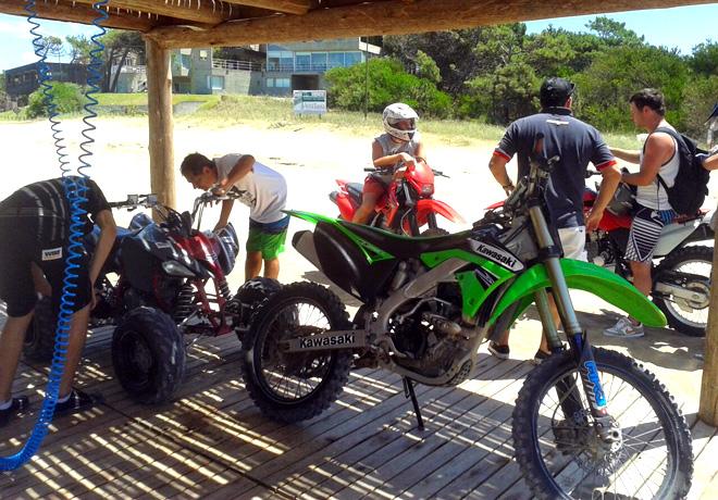 W80 ofrece servicio gratuito para motos y cuatriciclos en Pinamar 2
