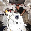 Toyota - Kirobo y el comandante japonés Wakata a bordo de la Estación Espacial Internacional