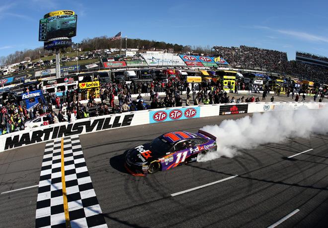 NASCAR - Martinsville - Denny Hamlin - Toyota Camry