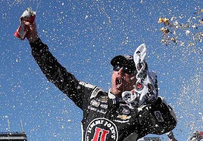 NASCAR - Phoenix 2015 - Kevin Harvick en el Victory Lane