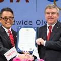 Toyota - Akio Toyoda -TMC- y Thomas Bach -Comite Olimpico Internacional-