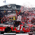NASCAR - Richmond 2015 -Kurt Busch en el Victrory Lane