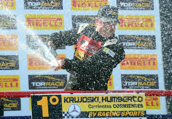 Top Race - Olavarria 2015 - Carrera 1 - Humberto Krujoski en el Podio