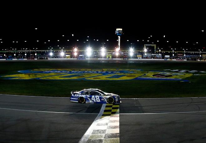 NASCAR - Kansas 2015 - Jimmie Johnson - Chevrolet SS