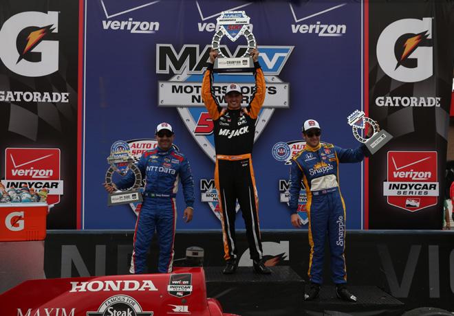 IndyCar - Fontana 2015 - Carrera - Tony Kanaan - Graham Rahal - Marco Andretti en el Podio