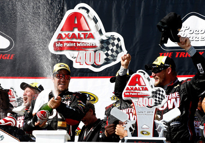 NASCAR - Pocono 2015 - Martin Truex en el Victory Lane