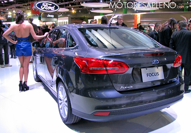 Salon AutoBA 2015 - Ford Focus sedan 2