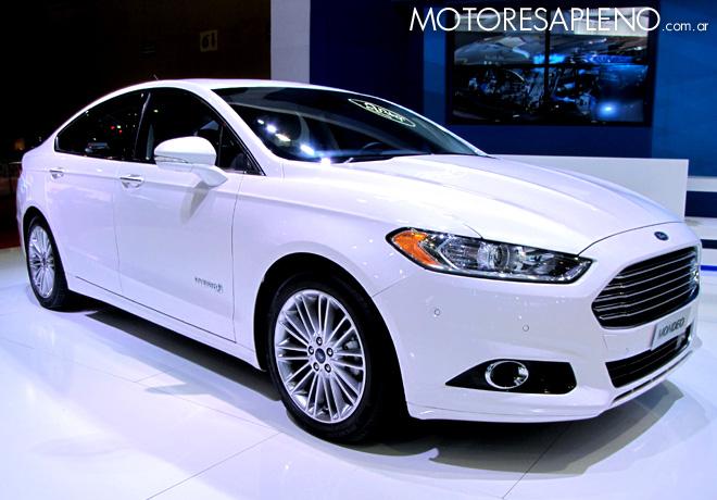 Salon AutoBA 2015 - Ford Mondeo hybrid