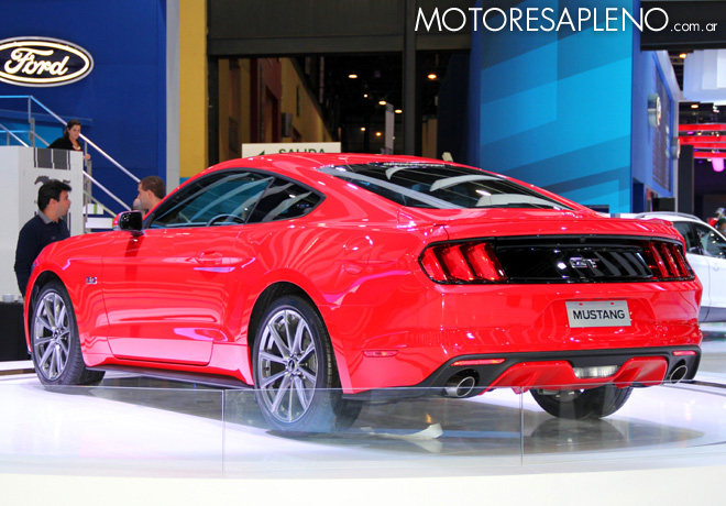 Salon AutoBA 2015 - Ford Mustang 3